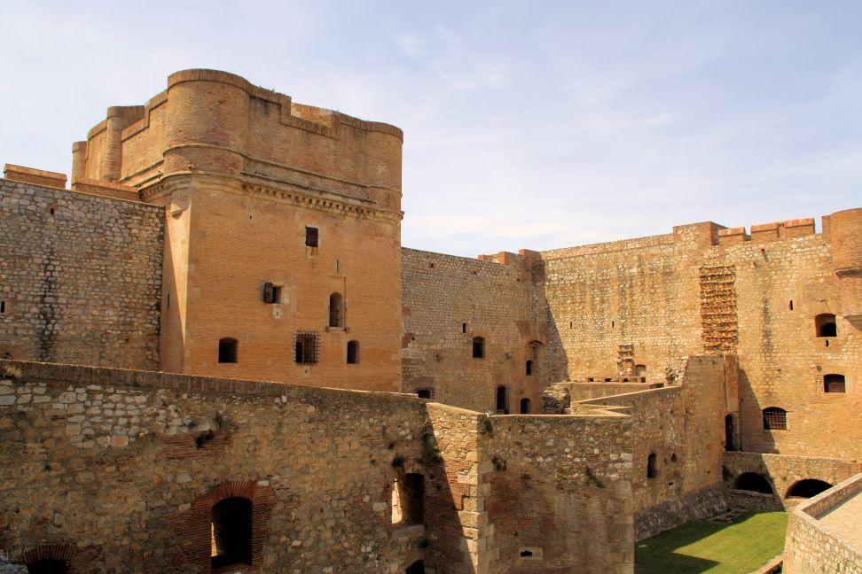 donjon de la fortaleza de Salses