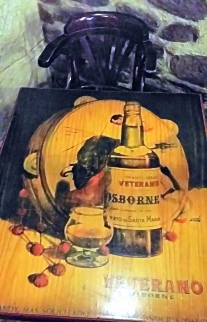 Mesa del bar restaurante casa rufino en bolea mapa y mochila - Casa rufino bolea ...