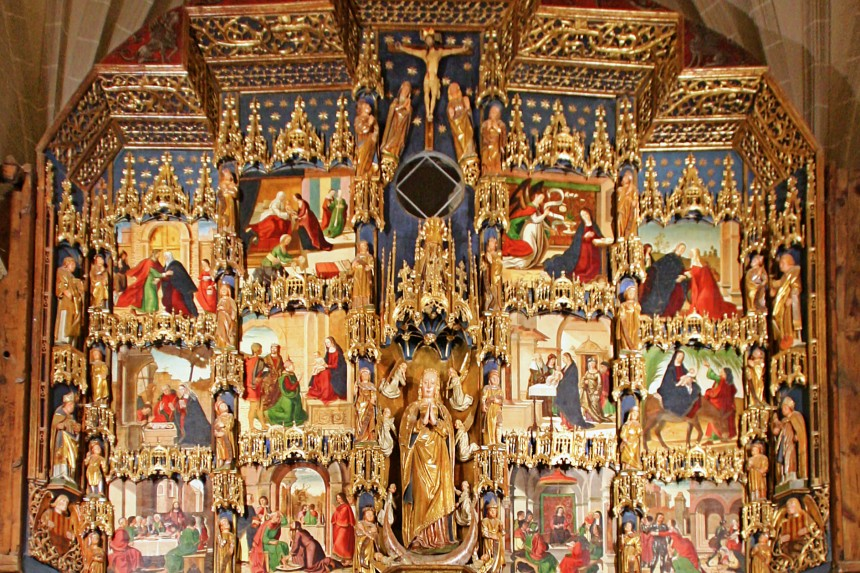 detalle del retablo de la Colegiata de Bolea