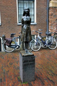 Estatua de Anne Frank