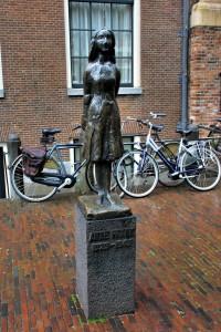 Estatua de Anne Frank