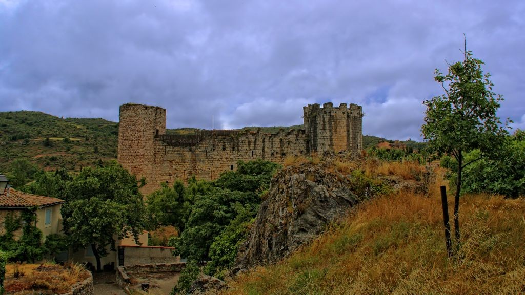 Vista del castillo de Villerouge