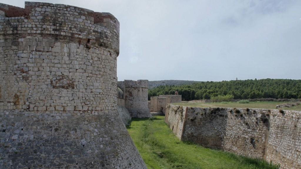 Murallas de la fortaleza de Salses