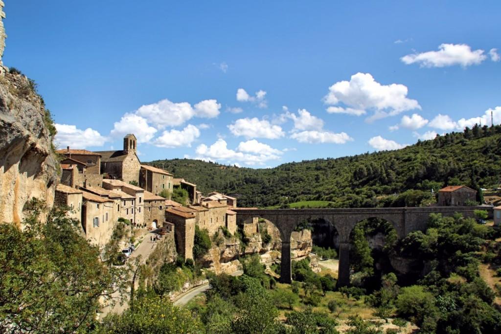 Minerve y su puente