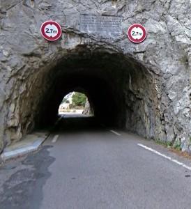 Gorges_Galamus_04_túnel