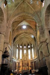 Interior de la Catedral de Saint Nazaire en Beziers