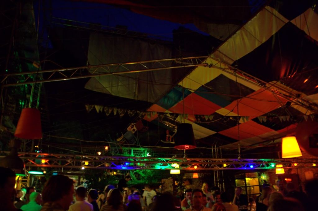 Bar ruina de Budapest