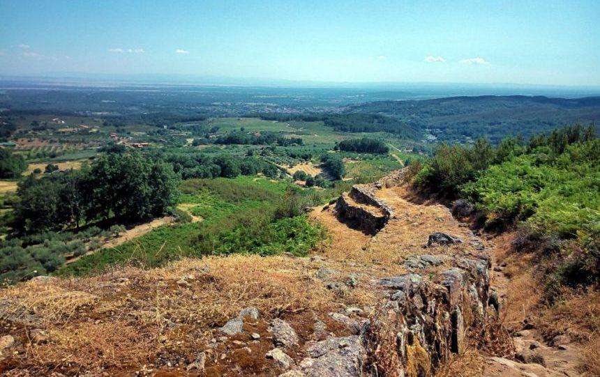 muralla del castro celta de El Raso