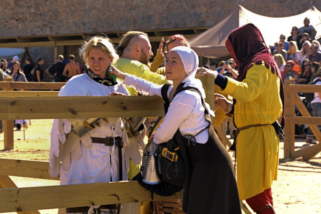 luchadora de Combate Medieval