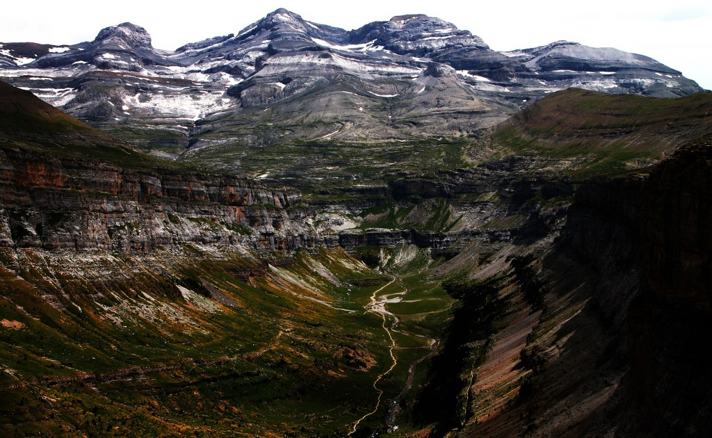 ordesa-national-park-892922_1920