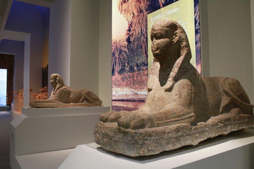 1. Nilo - Esfinges granito época ptolemaica