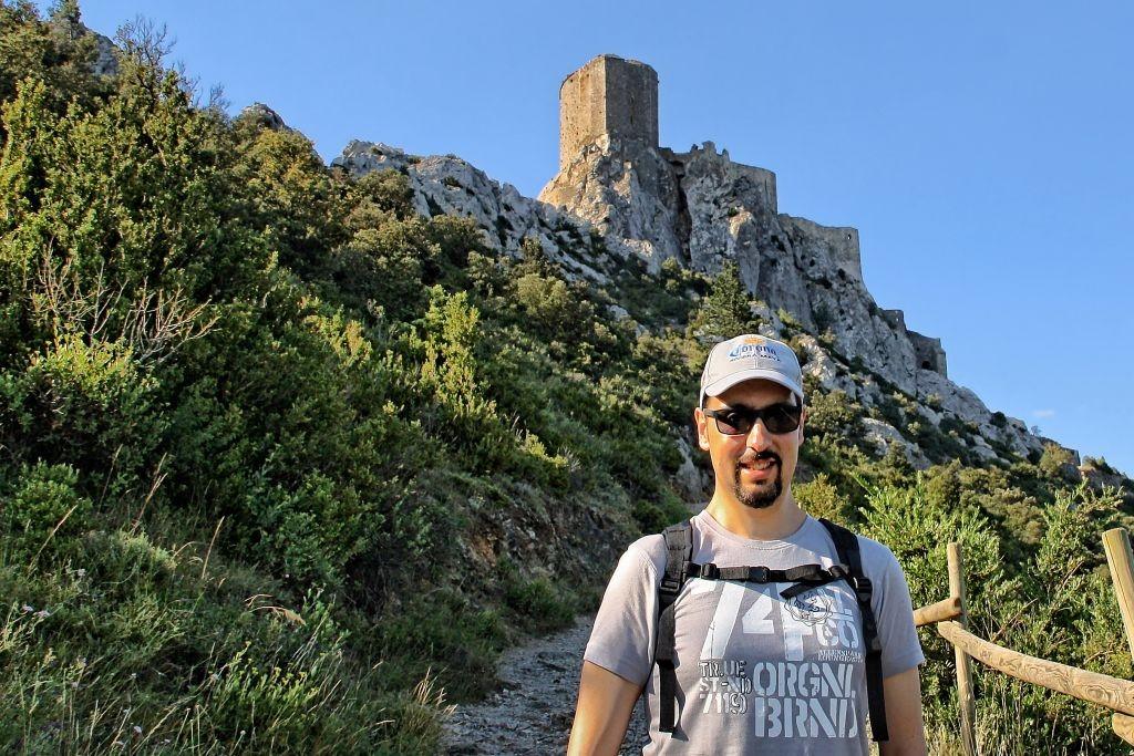 Subida al Castillo de Quéribus