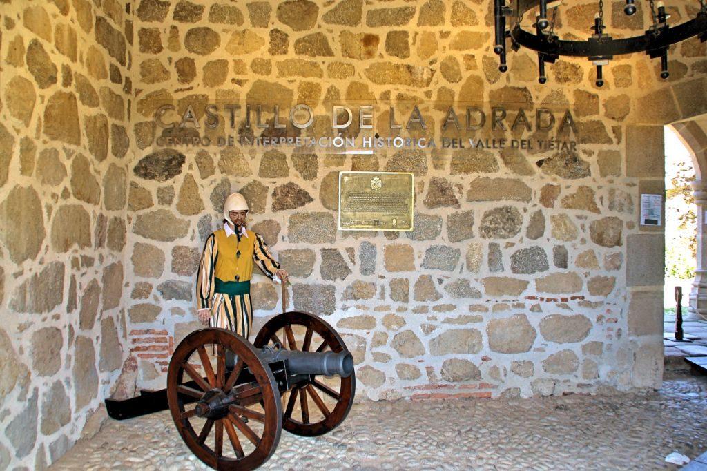 Castillo_La_Adrada_Acceso
