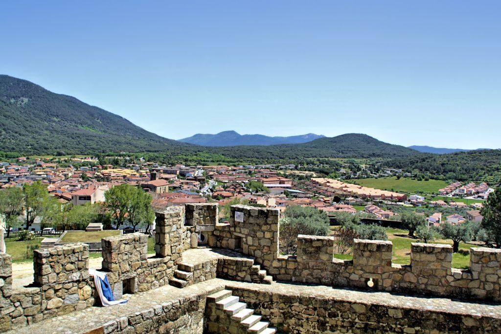 Castillo_La_adrada_adarve