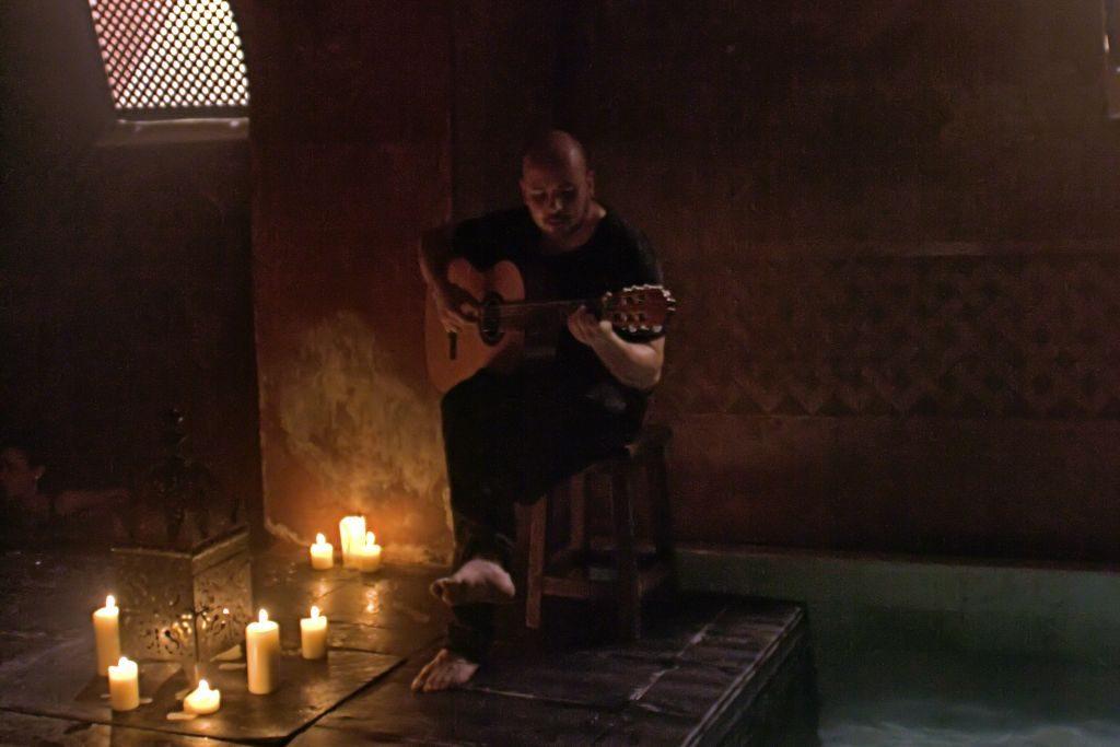 Guitarrista en Hammam al Ándalus Madrid