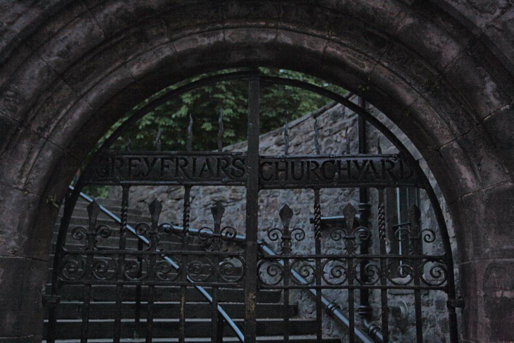 edimburgo-greyfriars-puerta