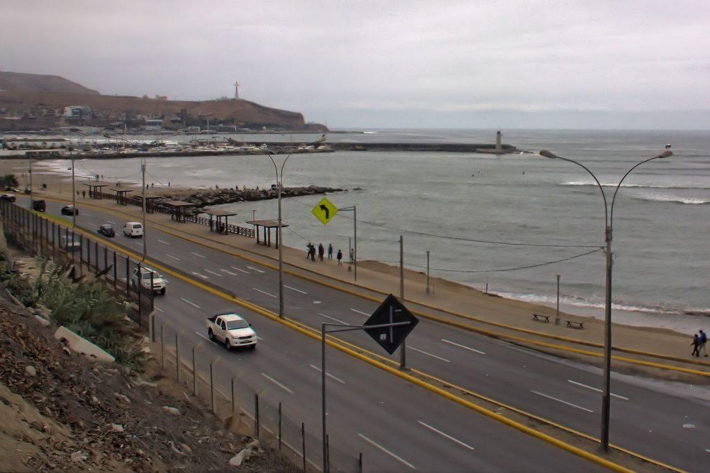 """En Lima """"la gris"""" es de los pocos sitios donde podréis ver autovías"""