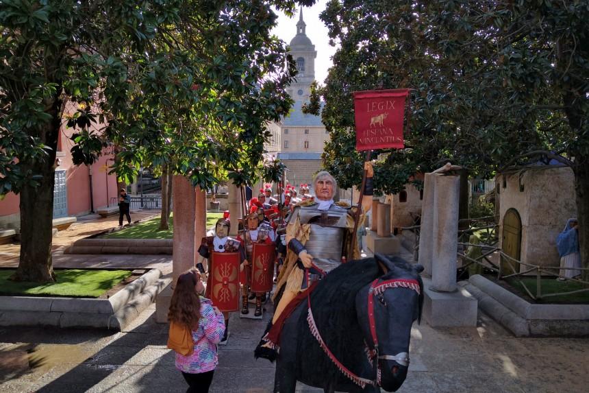 desfile de legionarios en el belén monumental de el escorial