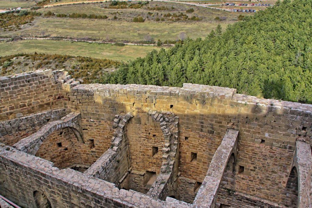 Restos en el castillo de Loarre