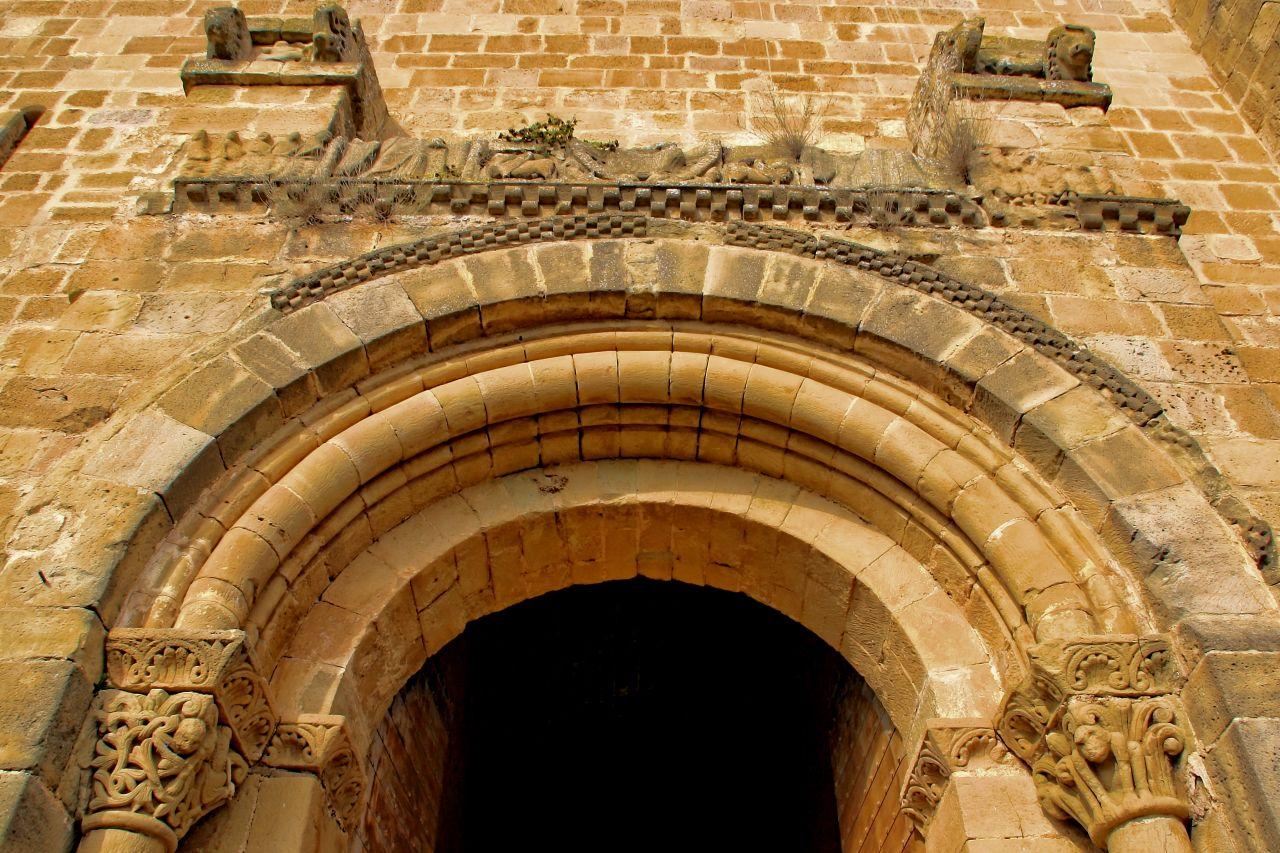 Puerta mapa y mochila - Puerta europa almeria ...