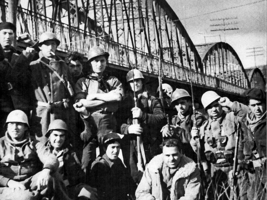 Hemingway en el Puente de Arganda