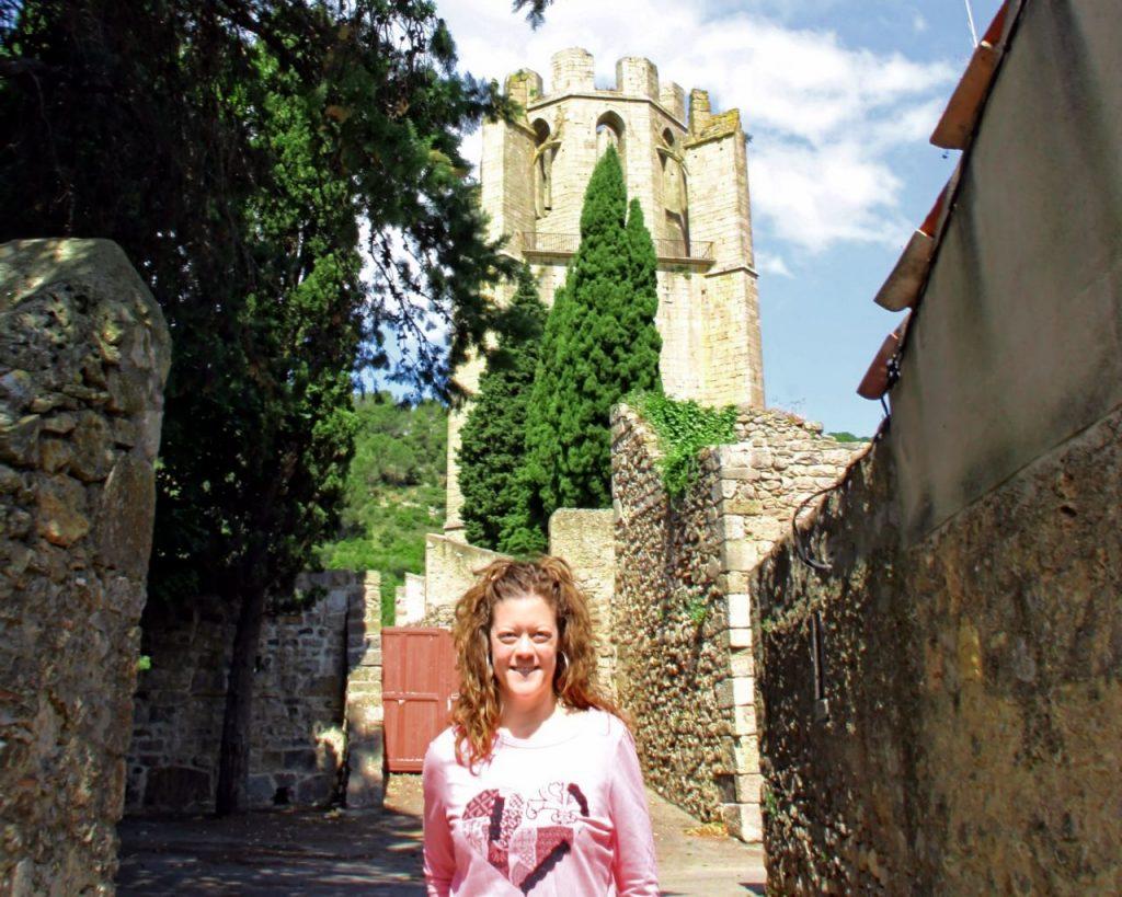 Torre fortificada de ocho lados de la abadía de Lagrasse