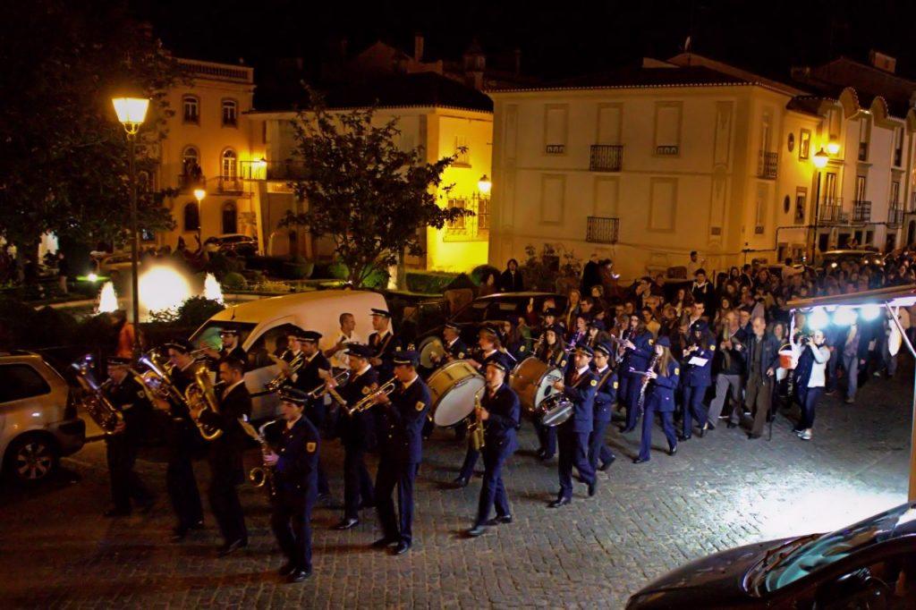 Banda de música en procesión
