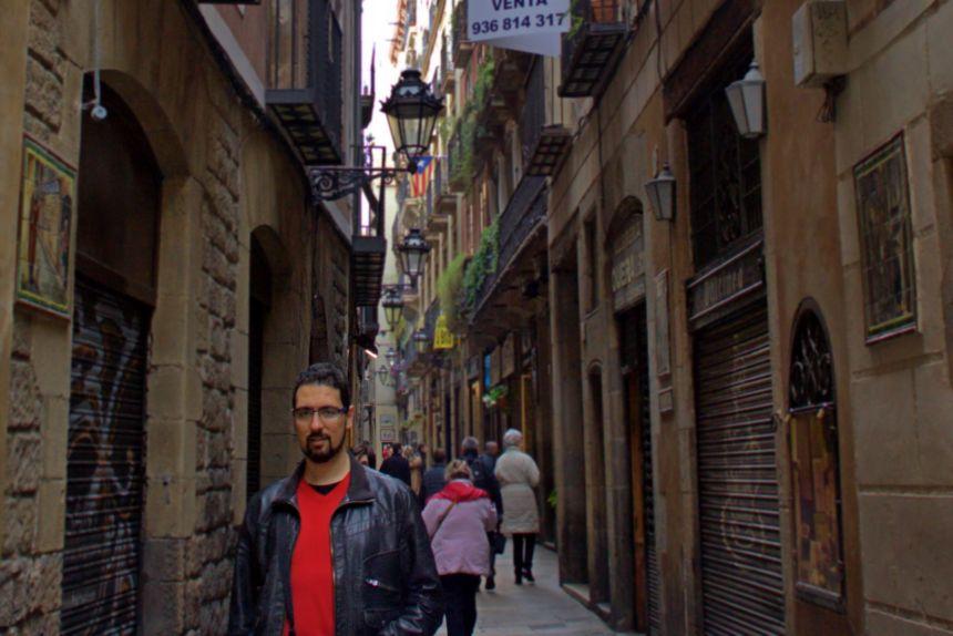 caminando por la Calle Petritxol