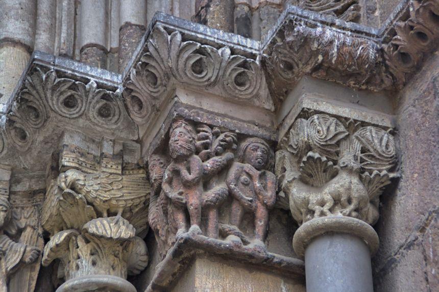 Capitel románico del Portal del Avemaría