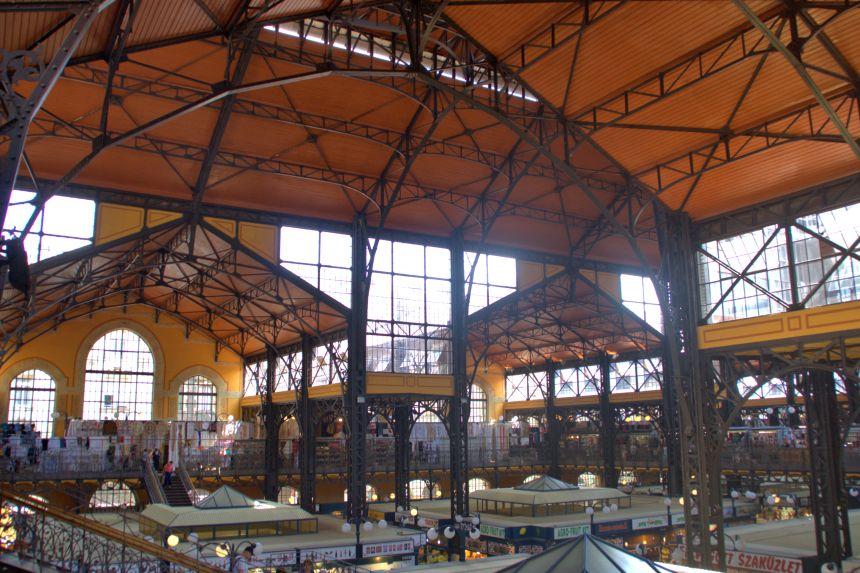 Interior del Mercado Central de Budapest