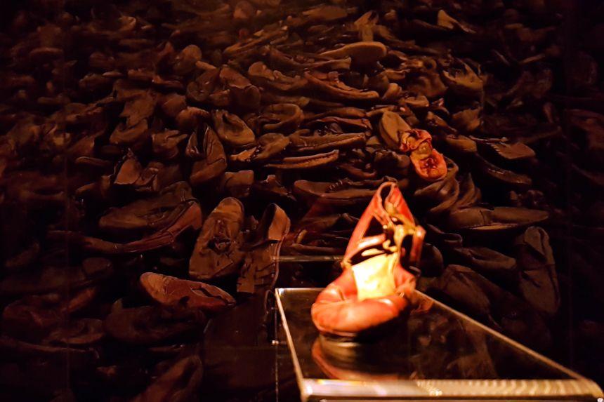 Zapato en la Exposición Auschwitz