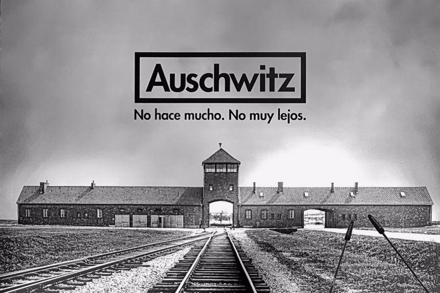 Cartel de la Exposición Auschwitz