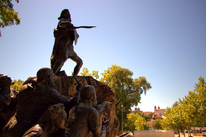 mapaymochila 2017 - estatua de Viriato en Viseu