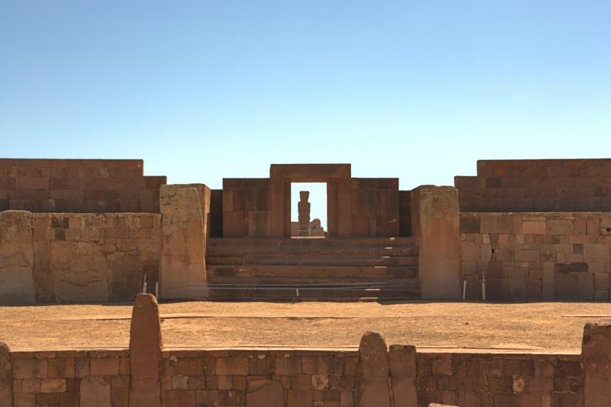 Entrada al Kalasasaya en Tiwanaku