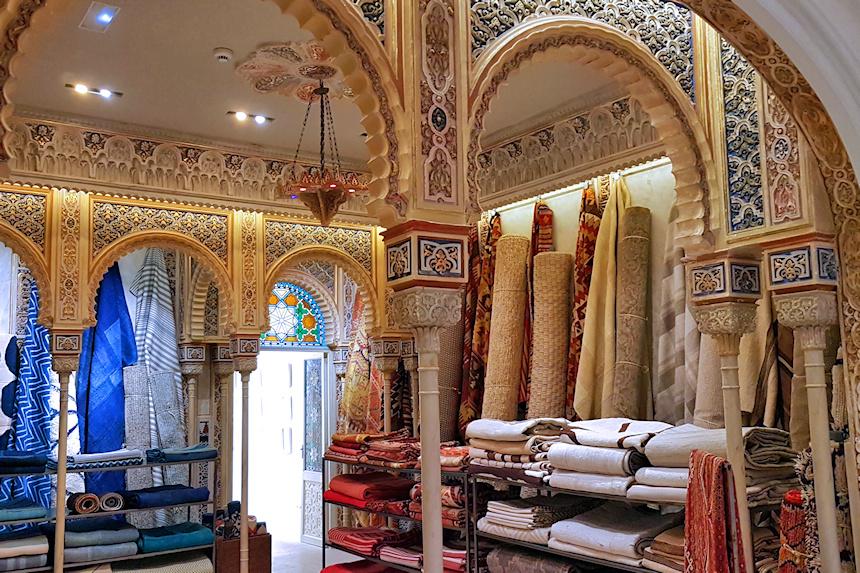 Palacete del s. XVIII reconvertido en una tienda de decoración en Palma