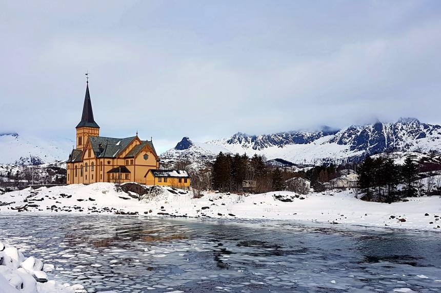 Iglesia de Vågan enKabelvåg, la Catedral de Lofoten