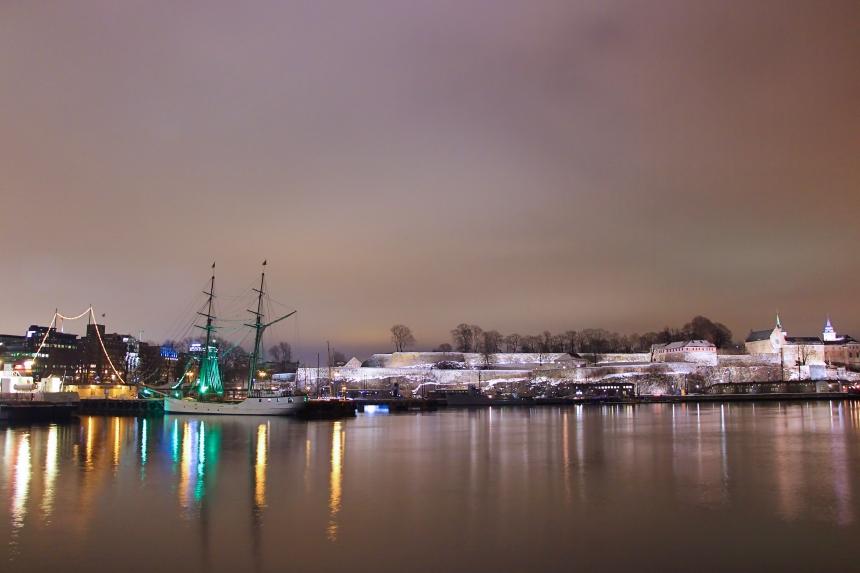 Puerto de Oslo de Noche