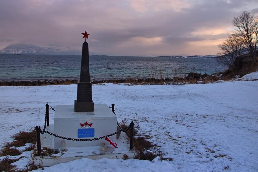 memorial soviético en Trondenes