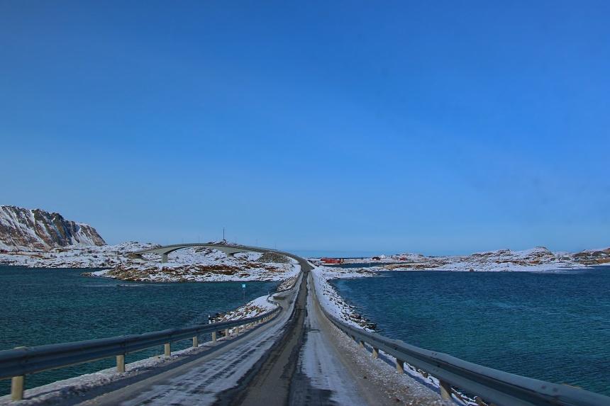 puentes entre islotes de las islas Lofoten