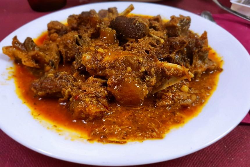 comer carne de cabra en Anaga