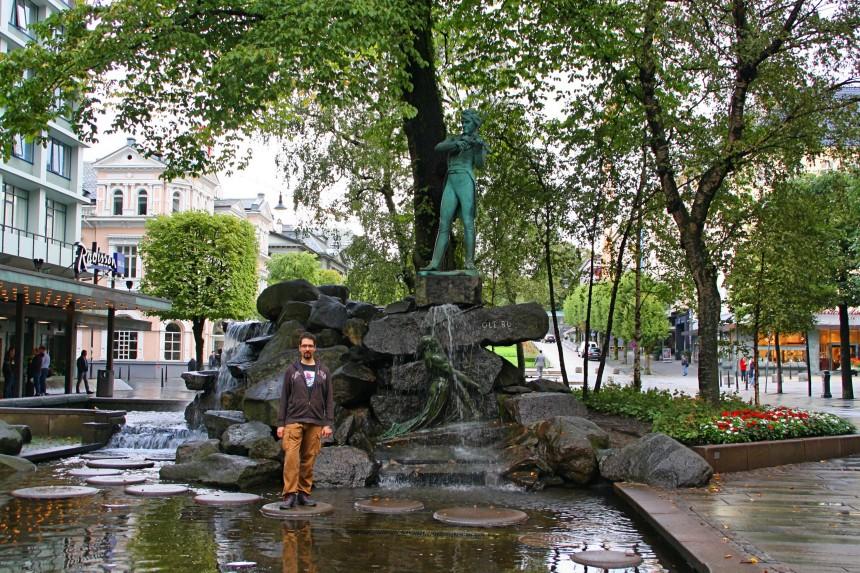 Estatua de Ole Bull en Ole Bull Plass