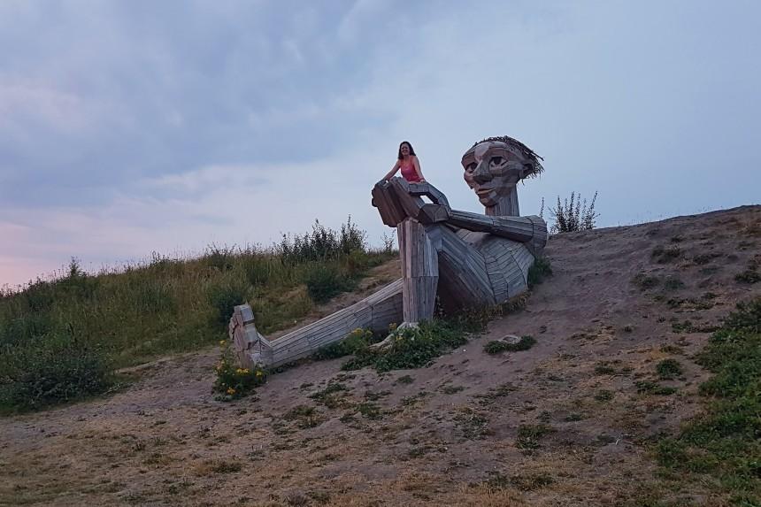 gigantes olvidados de Copenhague, Trine de la cima de la colina