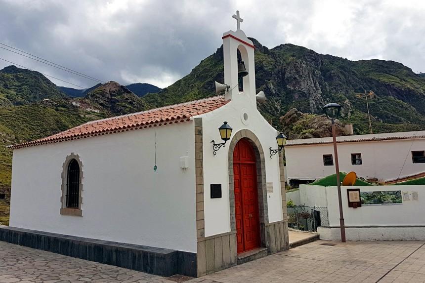 Ermita de San Pedro en Afur
