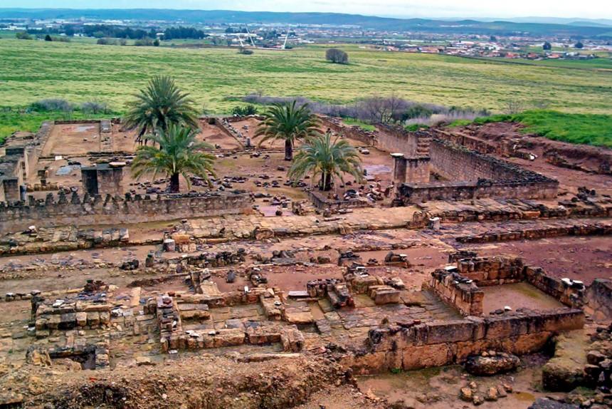 ruinas de la ciudad palatina de Medina Azahara