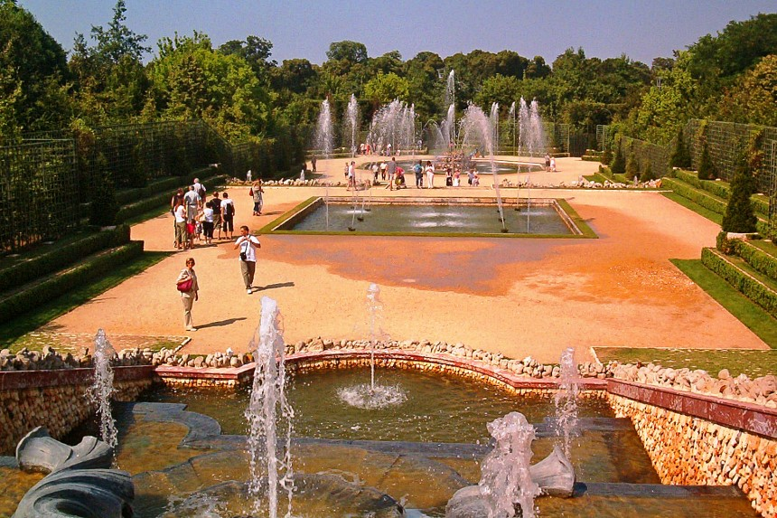 fuentes del Palacio de Versalles en funcionamiento