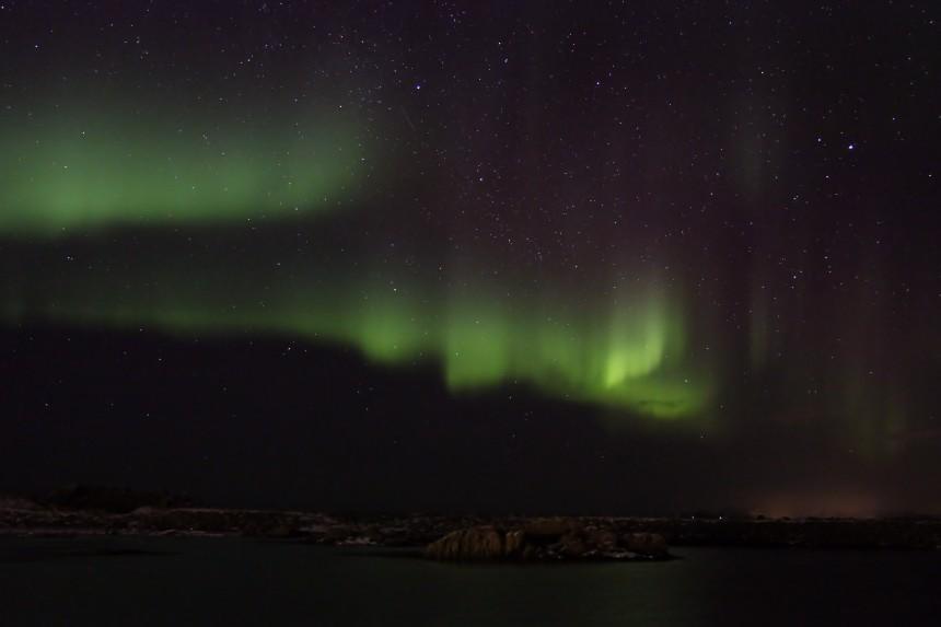 aurora boreal sobre Hov