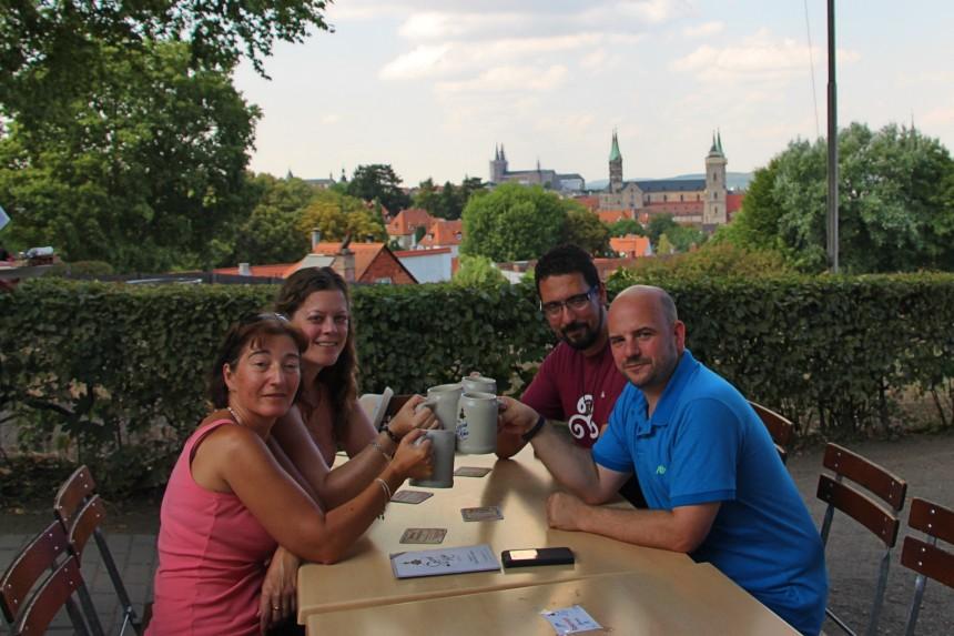 brindis con amigos en Franconia