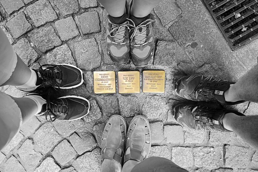 placas en el suelo de las calles de Bamberg