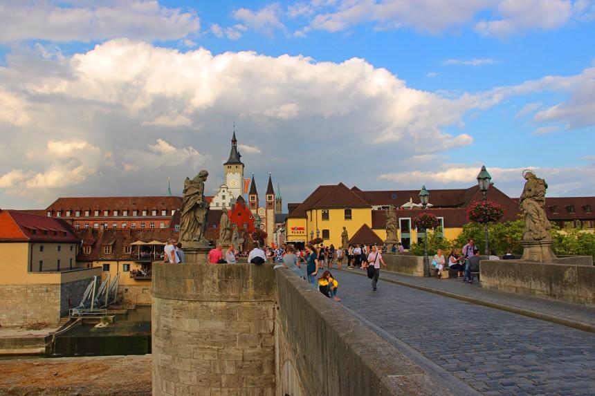 Alte Mainbrücke (Puente Viejo) de Würzburg