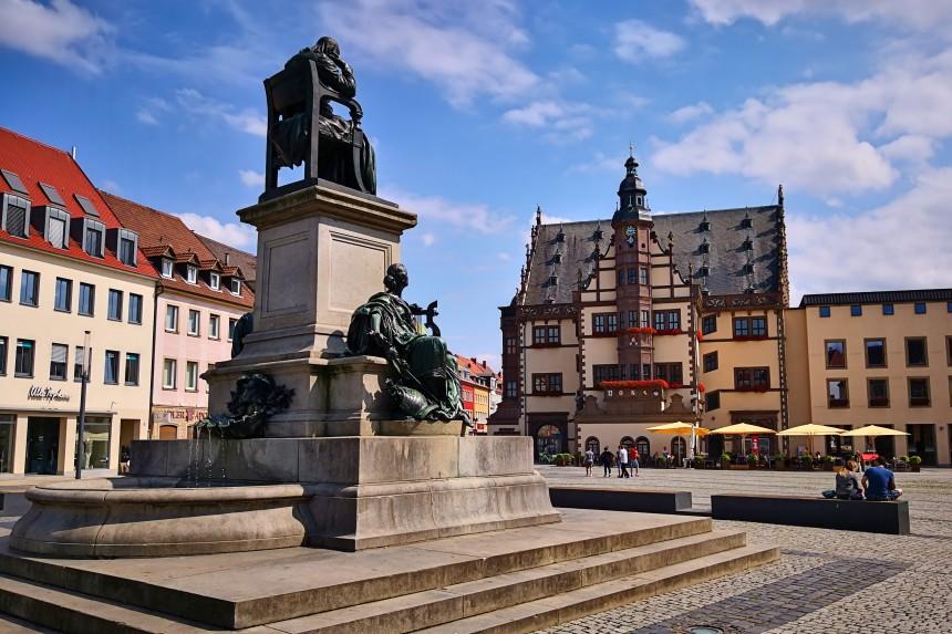 Estatua de Friedrich Rückert en Schweinfurt